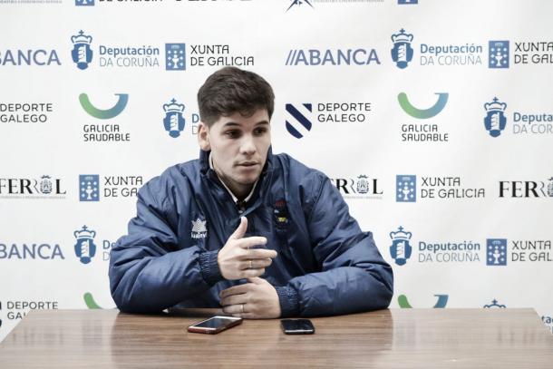 Diego Ríos en plena rueda de prensa | Foto: @Oparrulofs