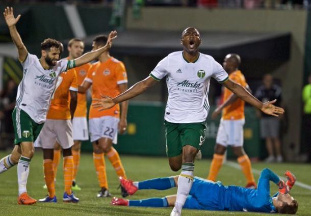 Adi celebra el gol de la victoria. // Imagen: MLSsoccer
