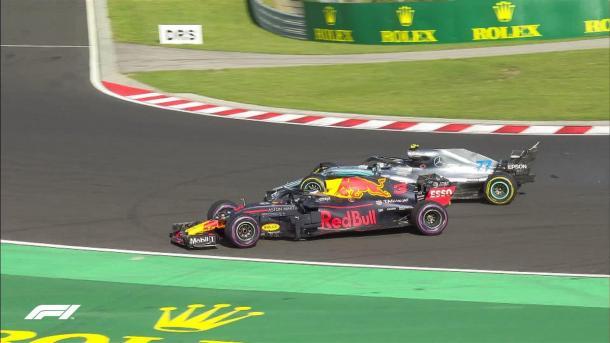 Incidente entre Bottas y Ricciardo | Foto: @F1