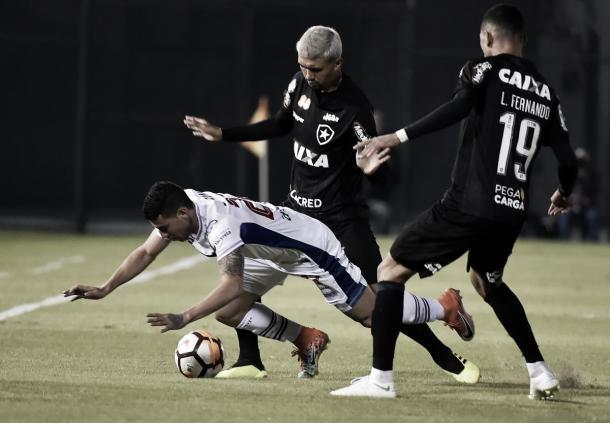 O Botafogo lutou, mas não conseguiu evitar a derrota no Paraguai. Reprodução/Conmebol