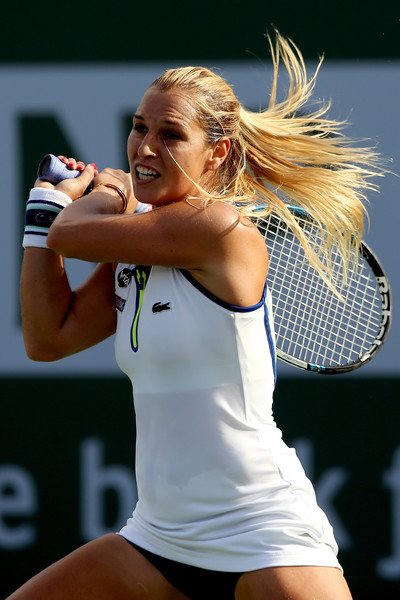 Dominika Cibulkova hits a backhand. Photo: Matthew Stockman/Getty Images