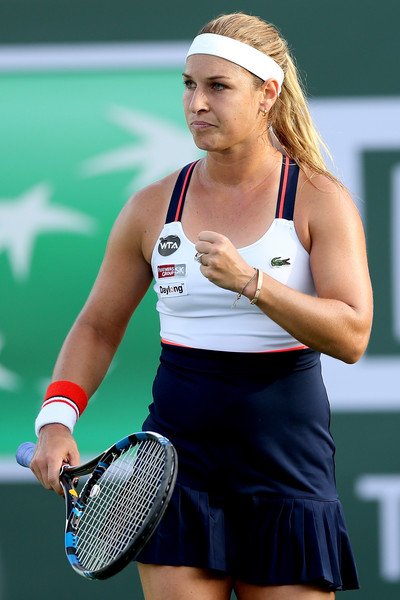 Dominika Cibulkova stayed cool during the crucial moments, saving a match point to triumph | Photo: Matthew Stockman/Getty Images North America