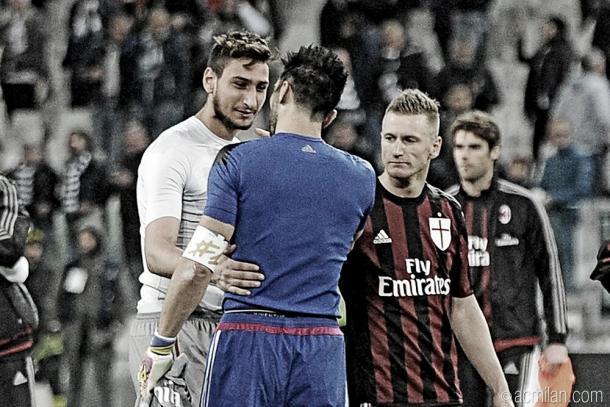 Donnarumma encontrou com Buffon no último jogo entre Juventus e Milan (Foto: Divulgação/Milan)