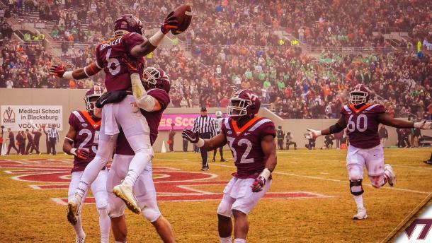 Los jugadores celebrando un 'touchdown' | Imagen: Virginia Tech