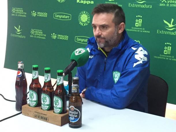 Julio Cobos en rueda de prensa   Foto: CF Villanovense