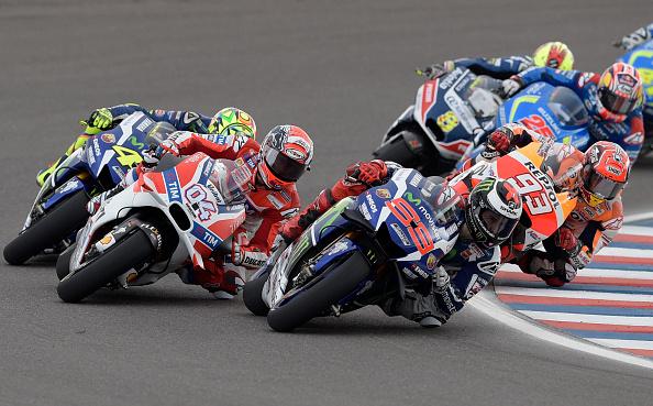 Jorge Lorenzo takes the lead | Photo: AFP