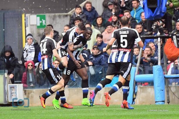 Duvàn Zapata è l'obiettivo numero uno in attacco. Fonte: www.facebook.com/UdineseCalcio1896