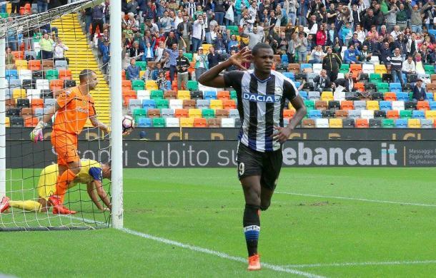 Duvàn Zapata dopo il gol casalingo contro il Chievo. Fonte: https://www.facebook.com/UdineseCalcio1896