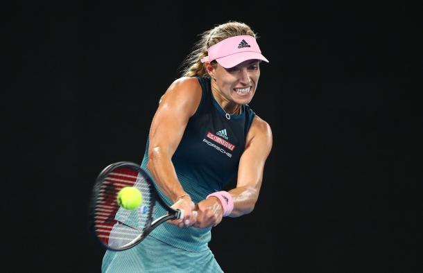 Kerber bajo la nocturnidad de Australia | Foto: Aus Open