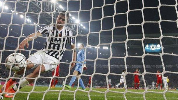 Paulo Dybala sparked the Juventus comeback in Turin. | Photo: AP - BBC