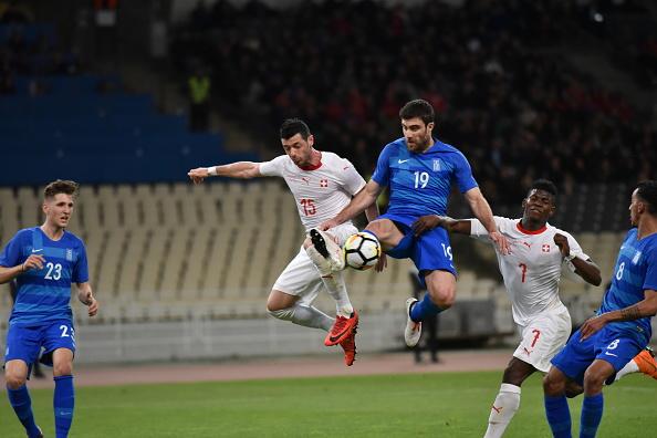 Dzemaili marcou o único gol sobre os gregos (Foto: Dimitrios Karvountzis/Pacific Press/LightRocket/Getty Images)