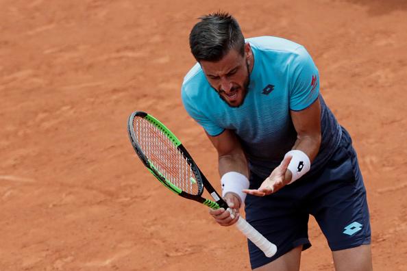 Dzumhur perdeu um mp e a chance de avançar à quarta rodada em Roland Garros (Foto: Thomas Samson/AFP/Getty Images)