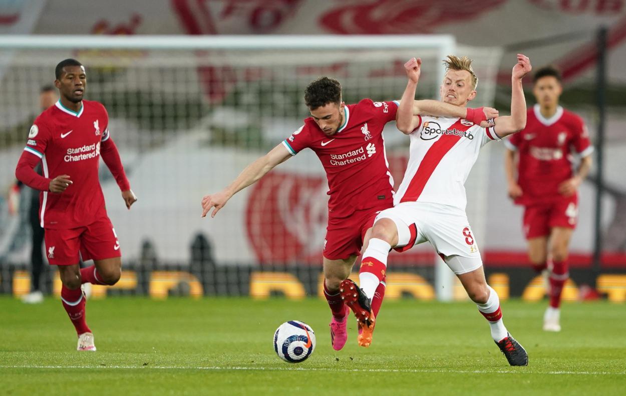 Diogo Jota y James Ward-Prowse / Foto: Liverpool CF