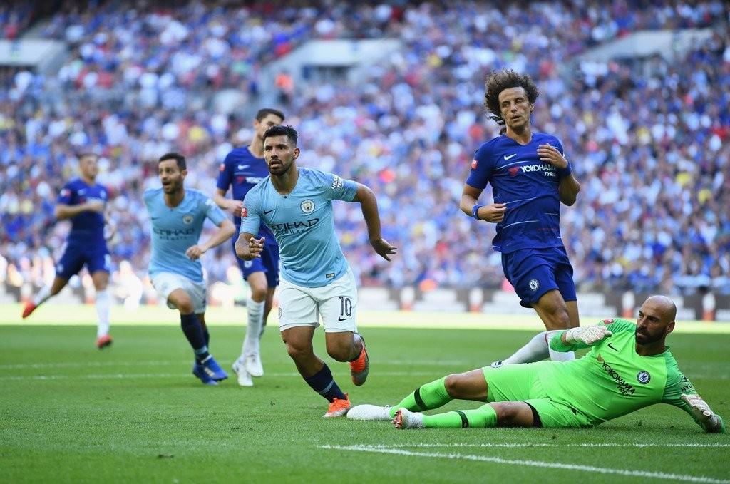 Agüero y Willy Caballero en un Chelsea-Manchester City / Foto: Premier League