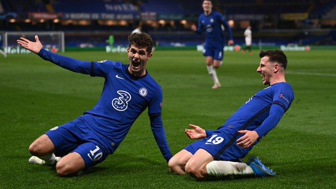 Mount e Pulisic comemorando o segundo gol (Foto: Divulgação/Chelsea)