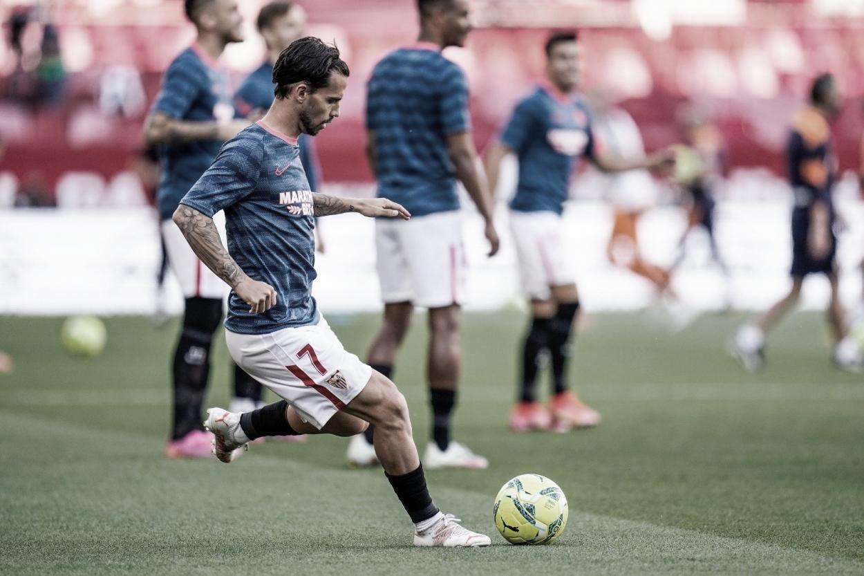 Suso practicando el lanzamiento a puerta | Foto: Sevilla FC