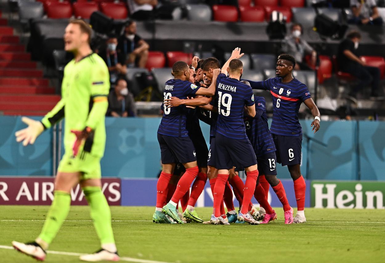 Euforia de los franceses tras anotar el gol que les dio la victoria / Foto: UEFA