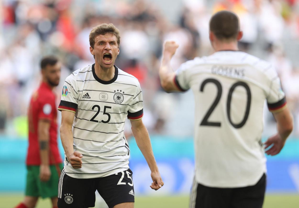 Müller y Gosens celebran el 1-4 / FOTO: UEFA