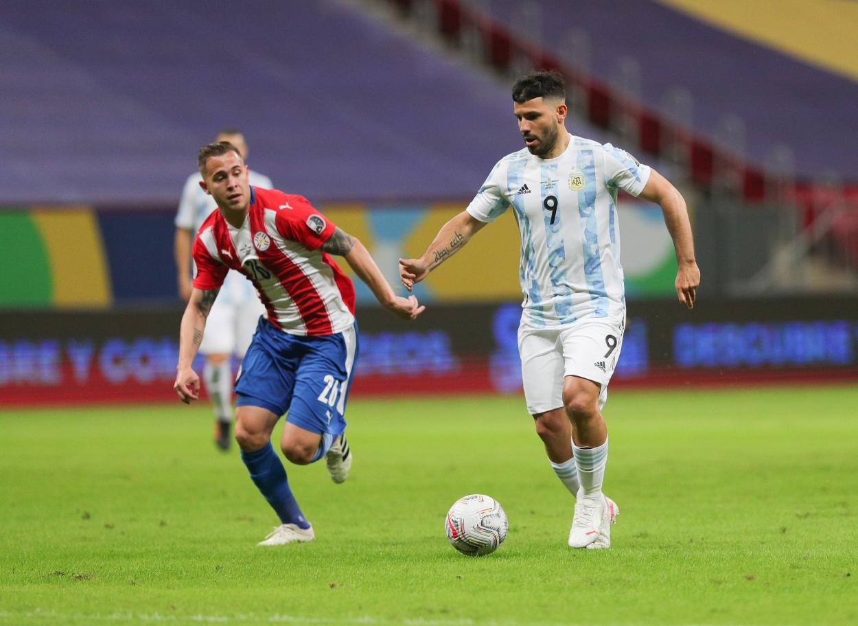 Agüero pivotó, pero no pudo resolver / FOTO: Copa América