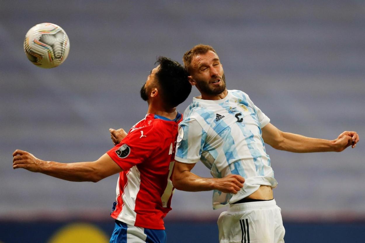 Pezzela disputando un balón / FOTO: Copa América