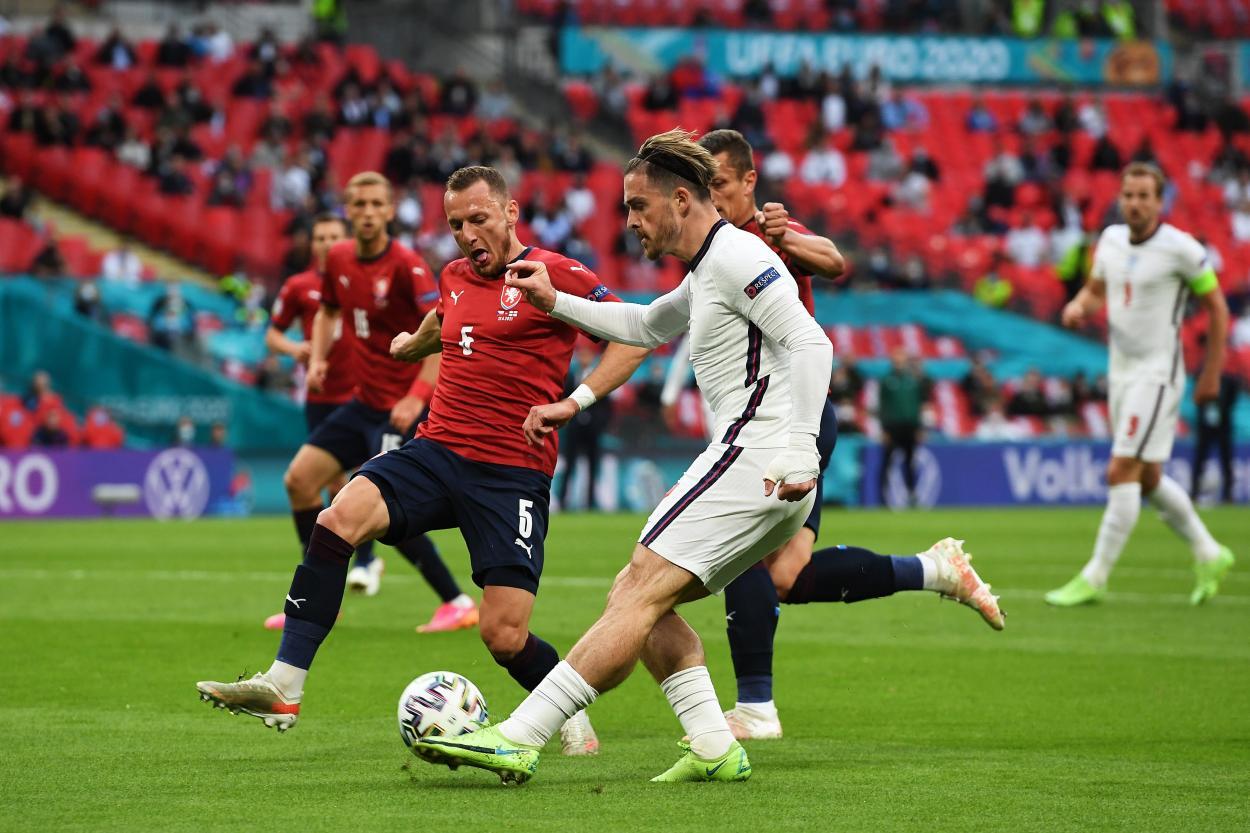 Grealish centrando para el 0-1 / FOTO: UEFA