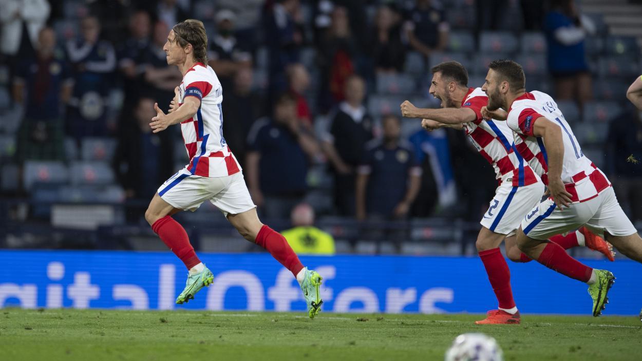Modric celebrando el 2-1 frente a Escocia / FOTO: UEFA
