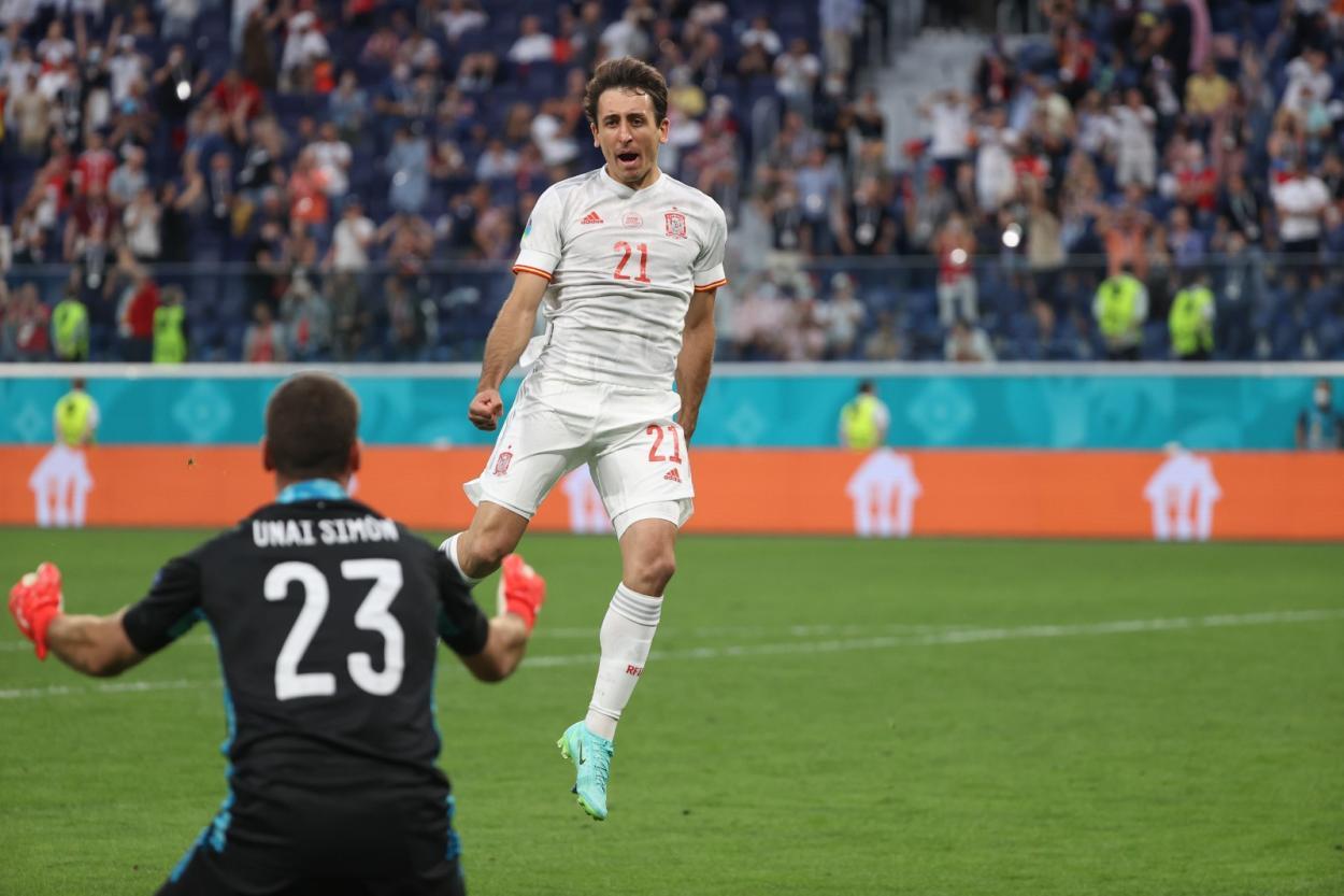 Oyarzabal transformó el penalti definitivo, fue directo a celebrarlo con Unai / FOTO: UEFA