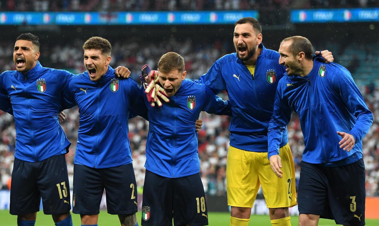 La emoción de los italianos cantando su himno / Foto: UEFA