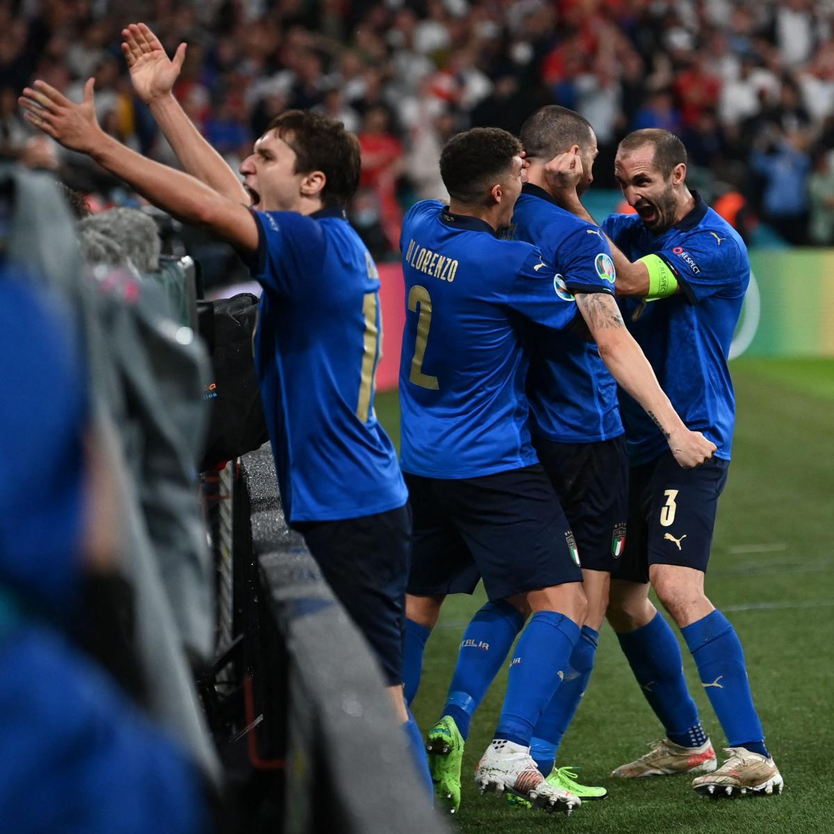 Euforia de Italia tras el gol de Bonucci / Foto: UEFA