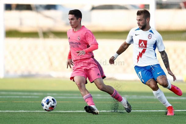 Sergio Arribas, durante el Rayo Majadahonda vs. Castilla de la etapa de preparación 2020/21 | Fuente: www.realmadrid.com