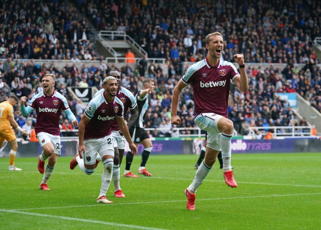 Celebración de Soucek tras su gol / Fuente: Premier League