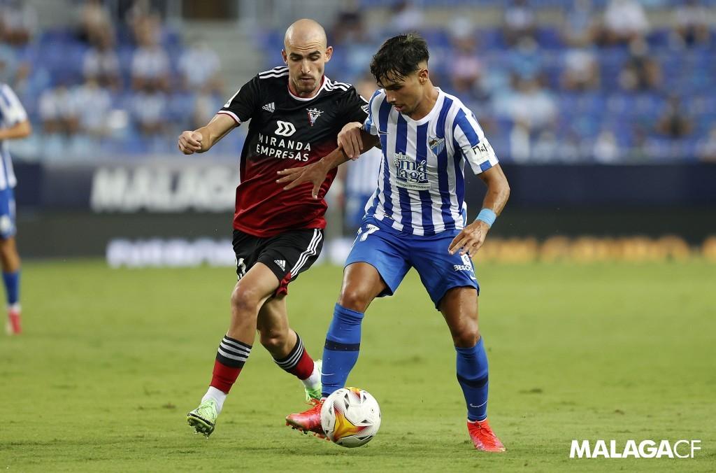 Kevin en el partido frente al Mirandés / Fuente: Málaga CF