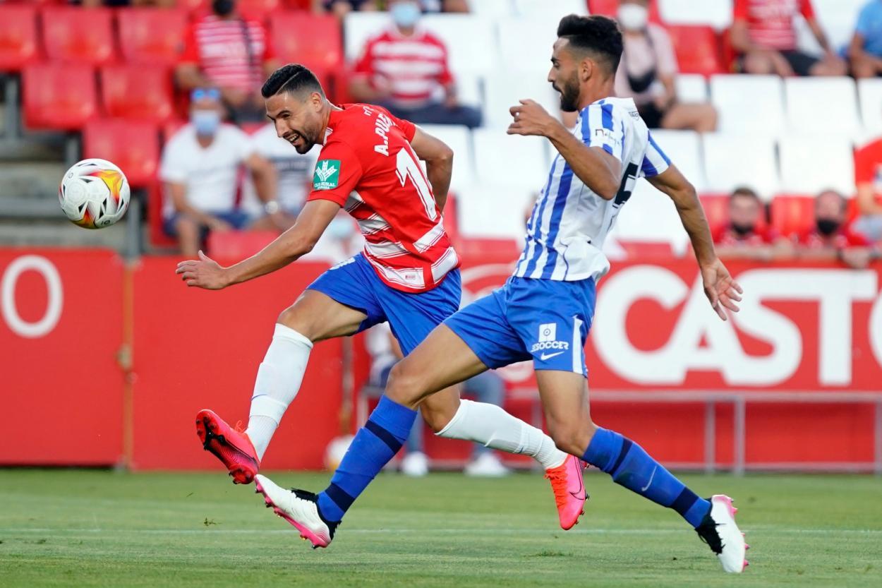 Antonio Puertas junto a Juande / Fuente: Granada CF