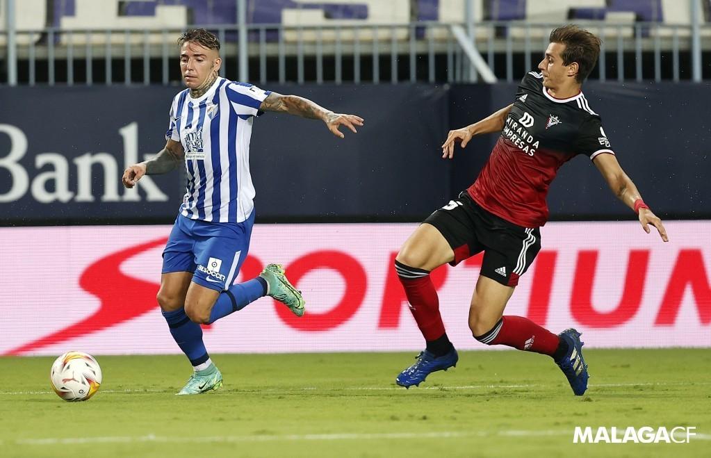 Brandon en el partido frente al Mirandés / Fuente: Málaga CF