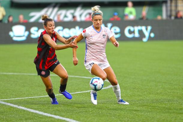 Kristie Mewis (19) was one of the few bright spots for Houston on the night. | Photo: Houston Dash