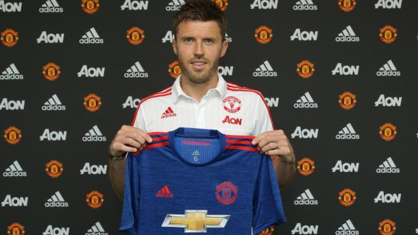 Michael Carrick after signing a one-year extension with Manchester United | Photo: manutd.com