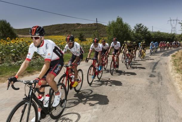 Los ocho elegidos del Burgos BH listos para la Vuelta a España. Foto: Alberto Rodrigo