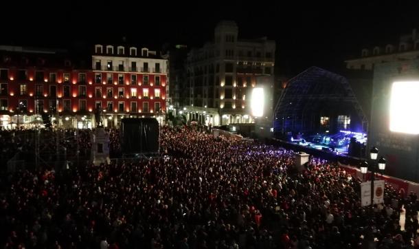 La Plaza Mayor minutos antes del concierto | Fuente: Twitter Oficial del Ayto. de Valladolid