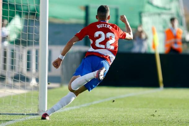 Butzke celebra su gol | Foto: Pepe Villoslada / Granada CF