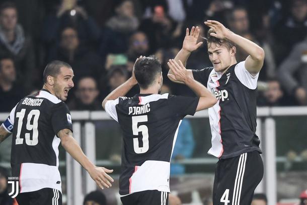 de Ligt celebra su primer tanto como bianconero / foto: Twitter oficial Juventus