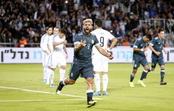 El Kun Agüero marcó un gol en su regreso a la selección argentina. Foto: Web.