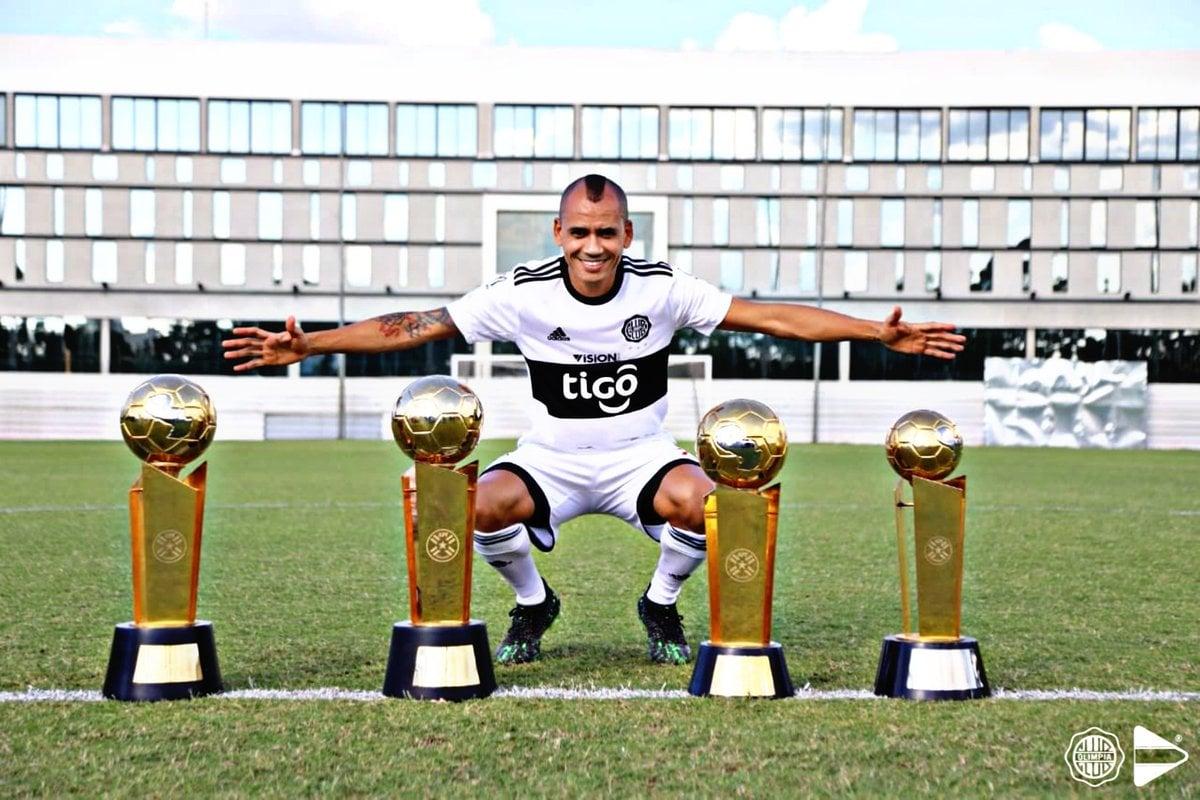 De los que más éxito han tenido luego de su salida del club, Sergio Otálvaro sigue vigente con Olimpia de Paraguay. Imagen: Olimpia