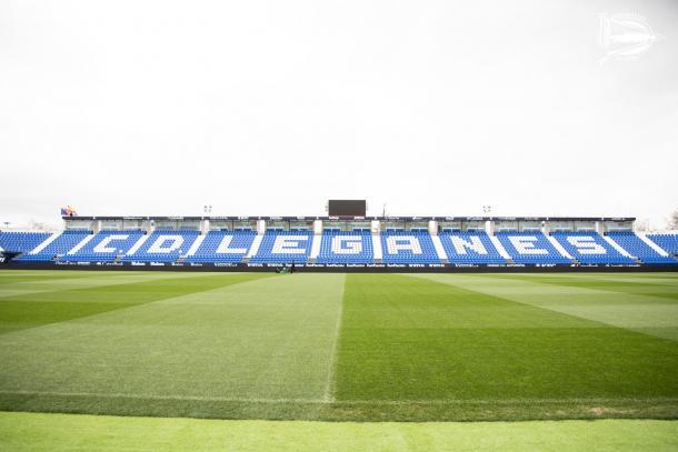 El Estadio Municipal de Butarque horas antes de que comience el choque | Fuente: Deportivo Alavés