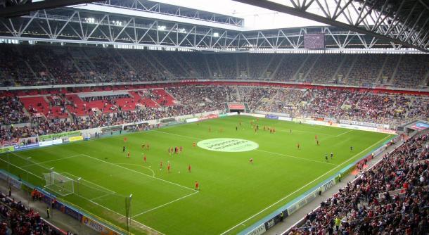 ESTRIN arena, campo donde se disputará el partido (StadiumDB.com)