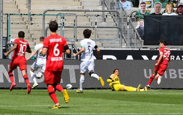 Havertz (D), marcou dois gols na vitória do Bayer Leverkusen sobre o Borussia Mönchengladbach | Foto: Divulgação/Bayer Leverkusen
