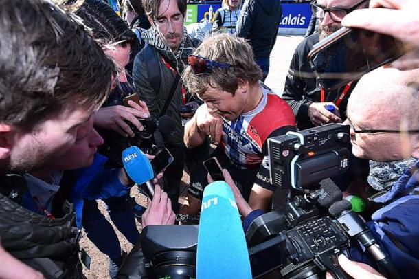 Boasson-Hagen talking to the press after finishing fifth at Roubaix / CyclingNews