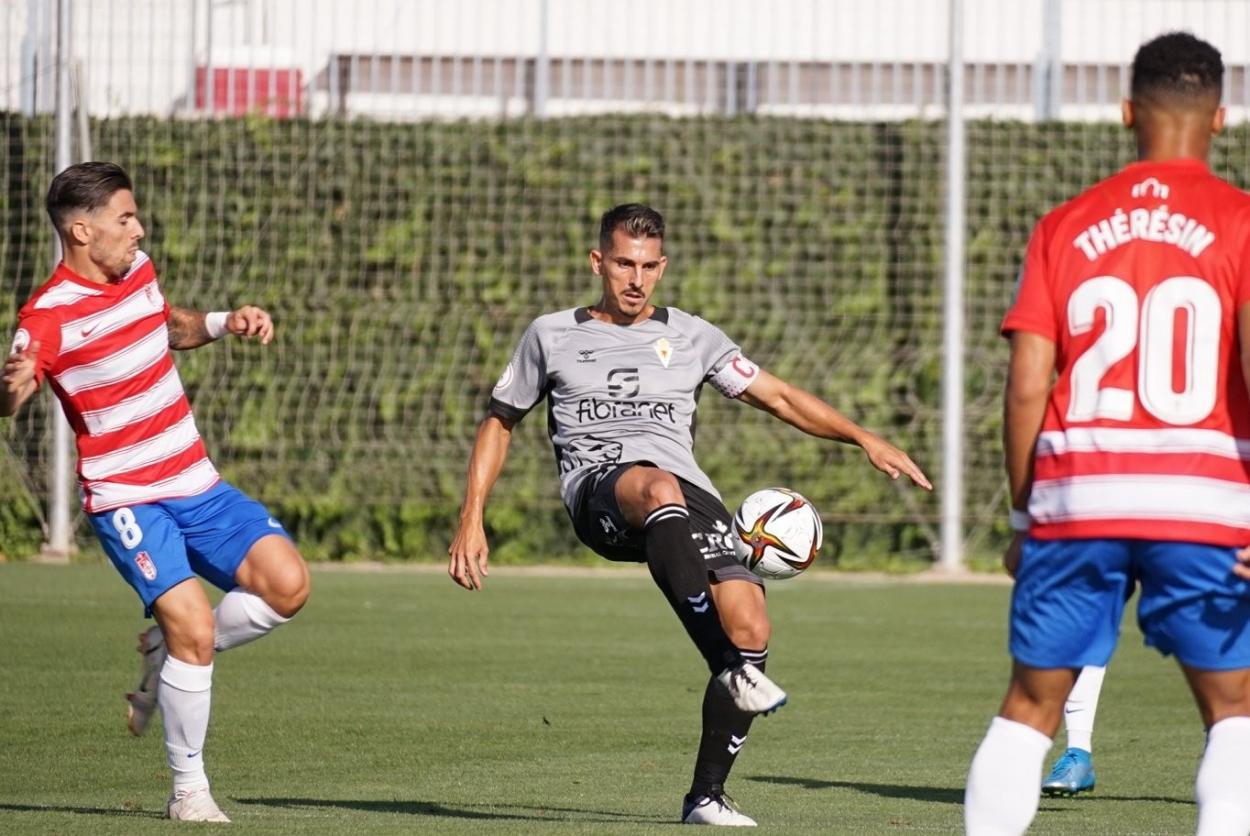 Armando en el partido disputado en Granada / Fuente: Real Murcia CF