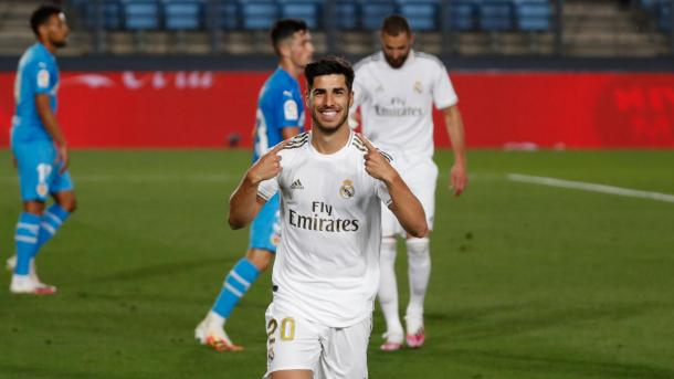 Marco Asensio, sonriente tras anotar el 2-0 | Fuente: @realmadrid (Twitter)