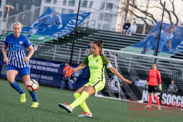 Lauren Barnes had a difficult season in the center of Seattle's defense | Source: E. Sbrana-Earchphoto