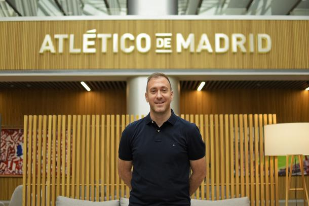 Héctor Díaz, entrenador del Atlético de Madrid B Femenino. / Fuente: Atlético de Madrid
